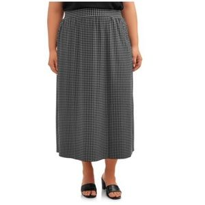Terra & Sky Women's Plus Size Sueded Skirt
